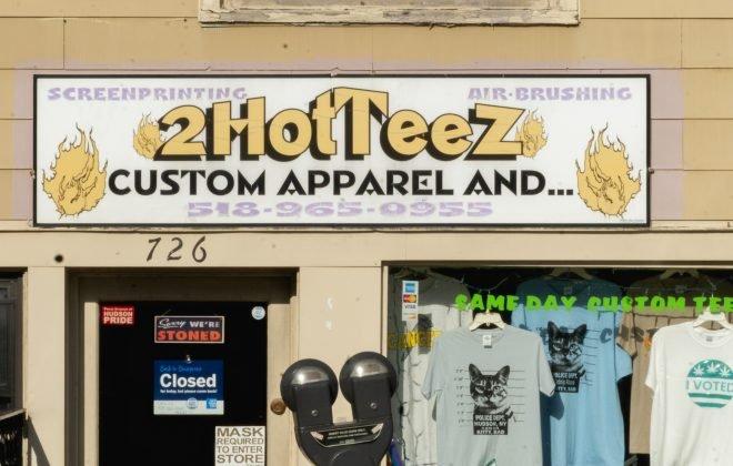 Hudson NY 2 Hot Teez